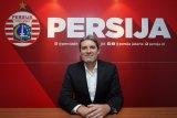 Pelatih Julio Banuelos kritik mahalnya harga tiket tandang untuk The Jakmania