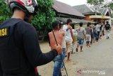 Pasca bentrok, 81 warga Desa Sampuabalo dibawa ke Polda Sultra untuk diperiksa
