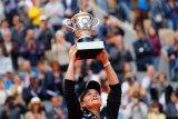 Petenis Barty ratu baru Prancis Open