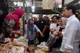 Pasar Gede Solo jadi tempat Jokowi dan keluarga belanja buah