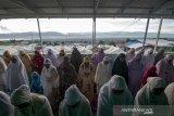 Shalat Id di kamp pengungsian