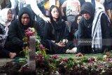 Jenazah ayah Dewi Persik dimakamkan di Jember