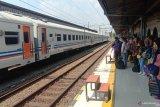 Cerita para pemudik kereta api berwisata di Jakarta