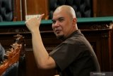 Musisi Ahmad Dhani divonis satu tahun penjara