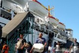 Arus balik penumpang di Pelabuhan SBP Tanjung Pinang ramai