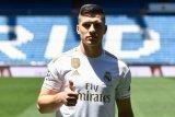 Luka Jovic resmi gunakan kostum Real Madrid