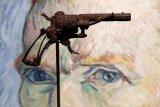 Pistol yang diyakini senjata bunuh diri Van Gogh dilelang di Paris