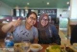 Pengacara kondang Elza Syarif buka restoran di Balikpapan