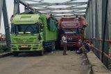 Kendaraan truk mulai padati Jalan lintas tengah Sumatera