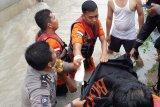 Basarnas: Pengantin baru tewas akibat terseret banjir Pekanbaru