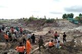 Longsor Bangka Tengah, tim gabungan kesulitan  cari pekerja tertimbun
