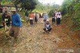 DPRD minta Pemkab Kolaka mengaspal jalan hubungkan dua desa
