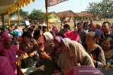 Tiga komoditas pangan di pasar murah diserbu warga