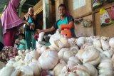 Mentan copot  pejabat terlibat kasus suap impor bawang putih