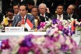 Presiden Jokowi menghadiri sesi pleno KTT ASEAN