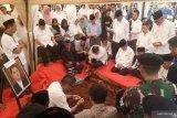Penguburan putra Ketua MA di TPU Karet Bivak diiringi ratusan pelayat