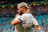 Argentina lolos dari lubang jarum dampingi Kolombia di Grup B