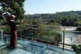 Taman Kyai Langgeng operasikan wahana  jembatan kaca