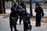 Monumen pemuda Palestina tewas dihancurkan Israel