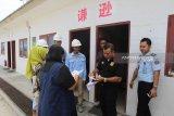 Meski memiliki dokumen lengkap, 9 pekerja China lari saat dirazia