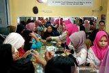 Usai Lebaran Idul Fitri warga Sampit ramai jual perhiasan