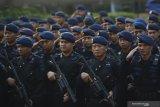 Antisipasi kelompok kriminal bersenjata di Papua, 100 personel Brimob dikirim dari NTT
