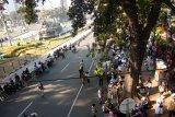 Massa pendukung Prabowo - Sandi mulai berdatangan di gedung MK