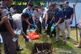 AP-1 musnahkan puluhan liter miras
