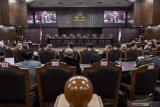 Sidang pembacaan putusan sengketa pilpres dibuka oleh Ketua Mahkamah Konstitusi