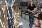 Pemkot batal revitalisasi  pusat kerajinan mutiara di