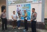 Polres Tomohon berikan SIM gratis kepada dua warga lahir 1 Juli