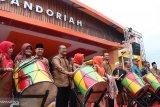 Ada lomba beruk memetik kelapa di Festival Gandoriah 2019