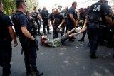 Jaksa Prancis periksa polisi setelah ada demonstran yang cedera