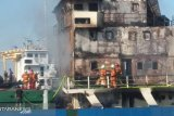 Kapal kargo Persada 10 terbakar di Tanjung Perak