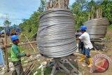 Anak 12 tahun terseret kabel SUTET di Solok Selatan dan jatuh dari ketinggian 30 meter