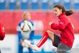 Pesepak bola putri Swiss hilang