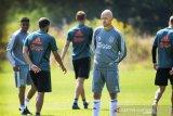 Pelatih Ajax: pertandingan internasional terlalu padat
