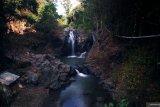 Bagi penggemar swafoto datanglah ke Air terjun Tiu Pituq