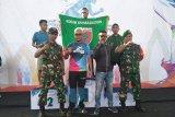 Anggota TNI juara lari Antam Maraton
