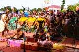 300 seniman tampilkan musik Aquistik  Biak harmoni