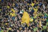 Fans Brasil beri dukungan menggila