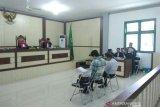 Mantan Kadishutbun Siak dan Direktur PT DSI minta dibebaskan
