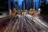 Suasana di Hong Kong tenang setelah polisi tembakan gas air mata bubarkan pemrotes