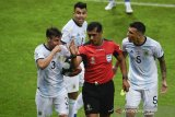 Timnas Argentina protes wasit