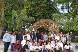 Mahasiswa ISI jadikan Bunga Jempiring sebagai Public Facility