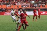 Pelatih Persija memuji penampilan Shahar Ginanjar