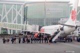 Pengamat sarankan pemda beri subsidi harga tiket pesawat