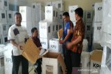 KPU Kulon Progo membuka kotak suara jenis E ambil berita acara DPK