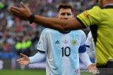 Lionel Messi tuduh kartu merahnya di Copa America gara-gara kritik