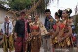 Museum Lima Gunung koleksi gambus bambu Slamet Gundono